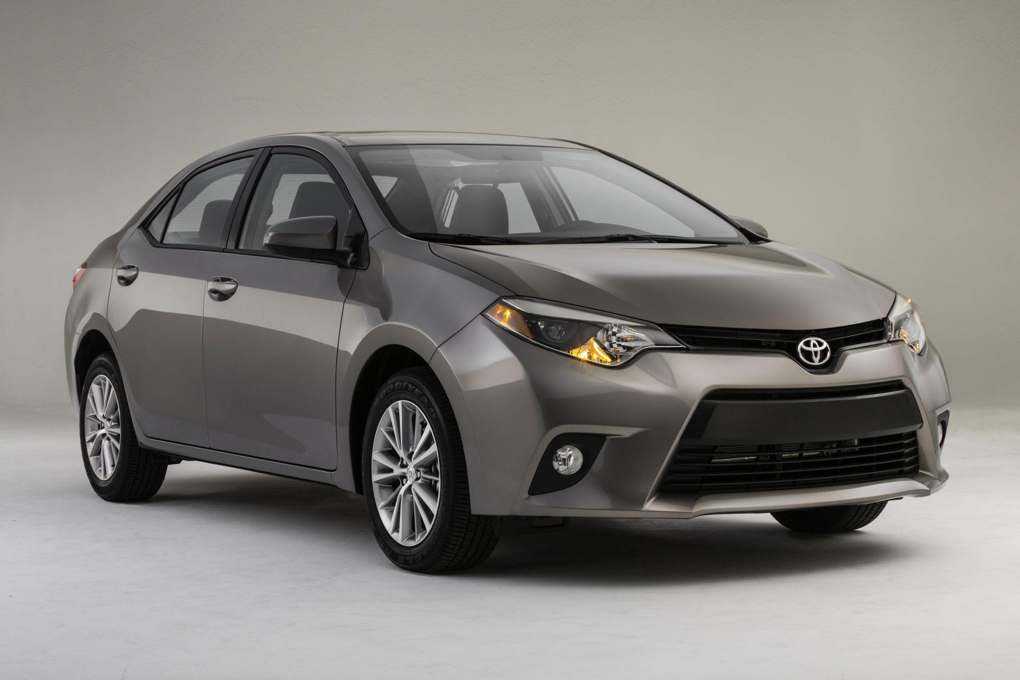 2015 toyota corolla test drive what drives us. Black Bedroom Furniture Sets. Home Design Ideas