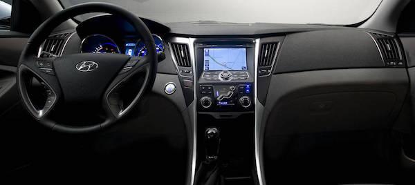 2013-Sonata-Cockpit